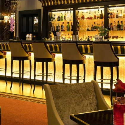 Bar galerie du Fouquet's, Cannes